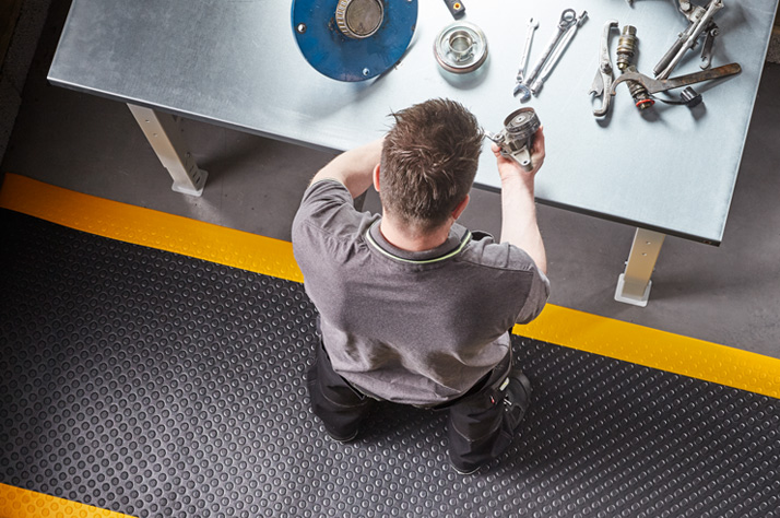 Why do Companies Need Commercial Matting?