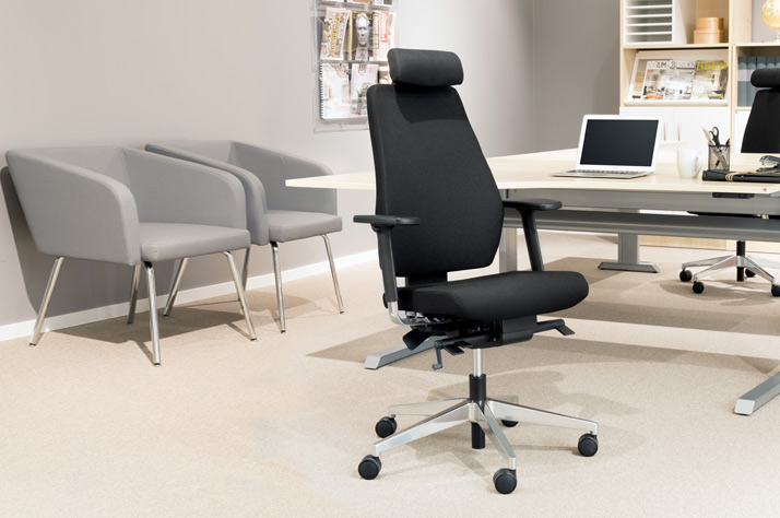 Factors to Be Considered While Buying Office Chairs