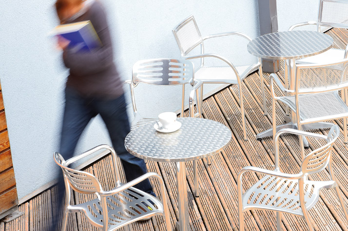 How to Convert your Outdoor Space into a Stylish Seating Area