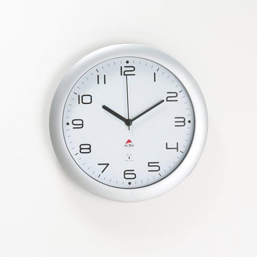 Radiowy zegar naścienny