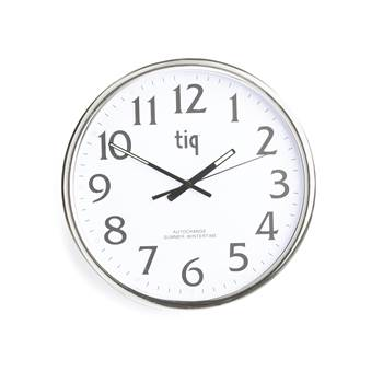 Wall clock with automatic daylight savings time, Ø 350 mm