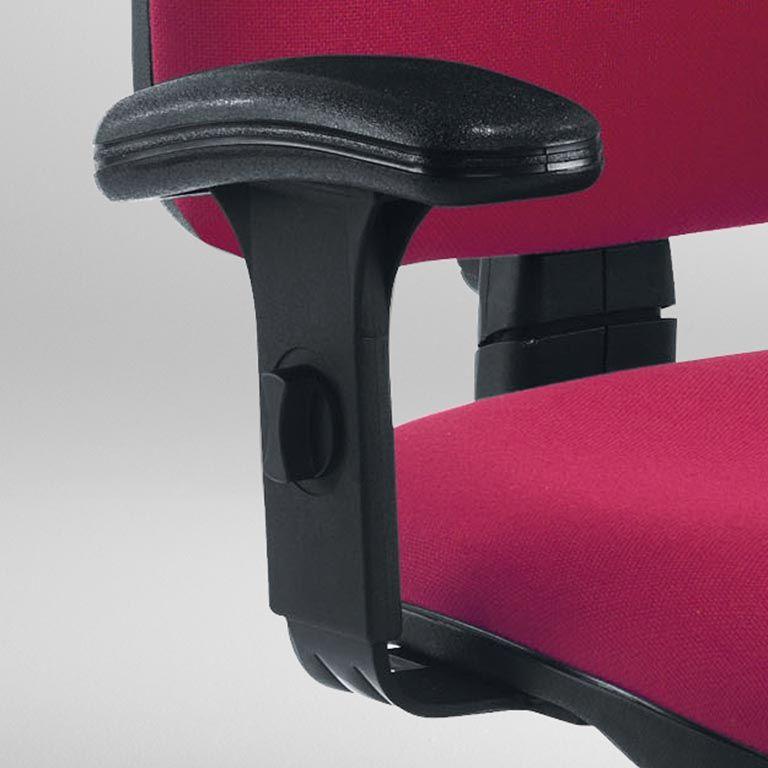 """""""Zoom"""" adjustable armrests"""