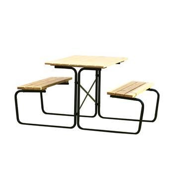 Picnic benches: black frame