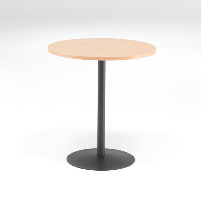 Okrągły stół do kawiarni
