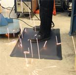 Weld resistant anti-fatigue mat