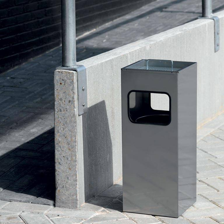Litter bin with square ashtray