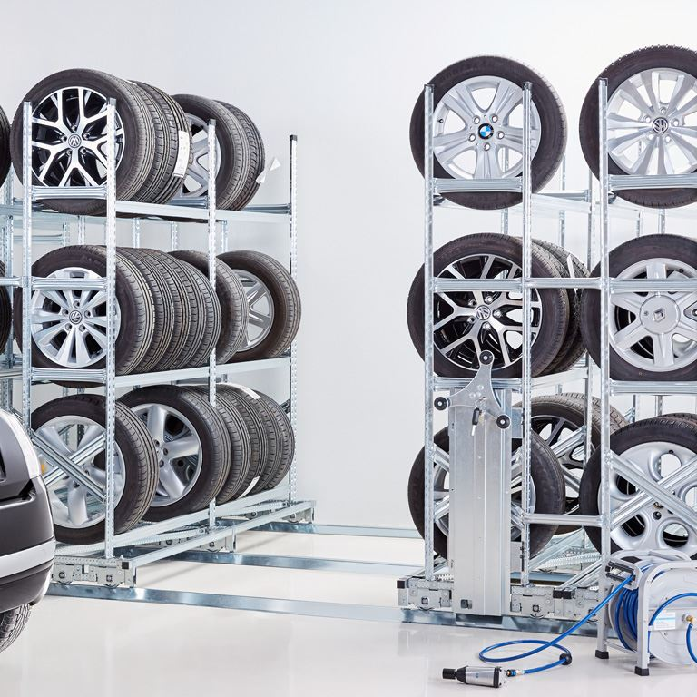 Compact tyre rack