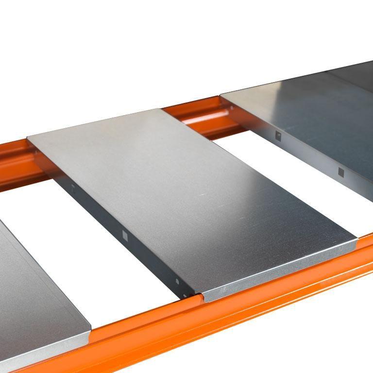 Widespan shelving: metal shelf